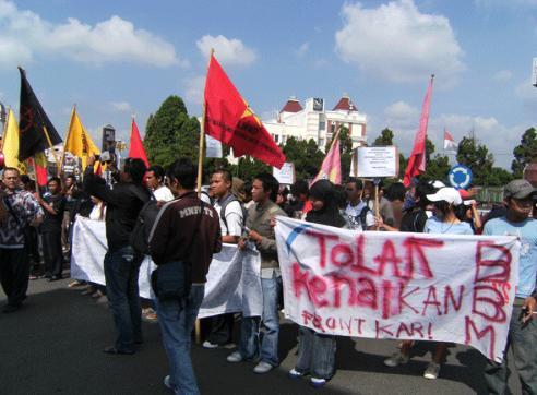 Demonstrasi untuk menyalurkan aspirasi.