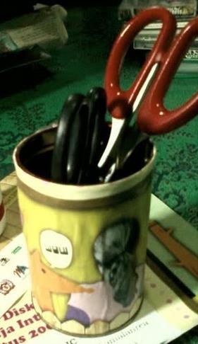 Contoh tempat pensil dan atk (1)