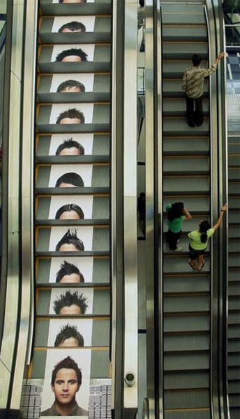 Eskalator untuk iklan rambut.