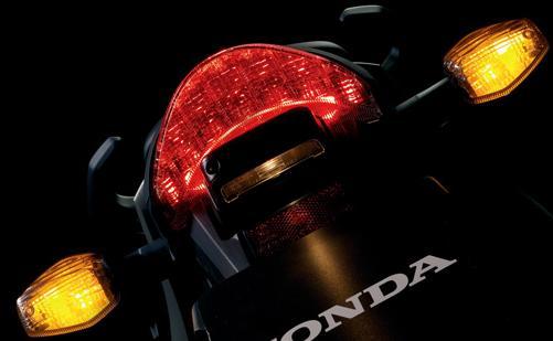 Asesoris lampu berbelok adalah wajib di setiap kendaraan.