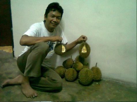 Ini dapat obralan durian enak....