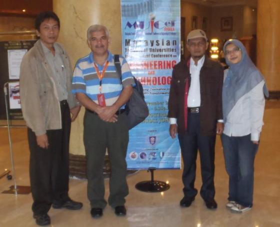 Bersama beberapa rekan dai UniMAP
