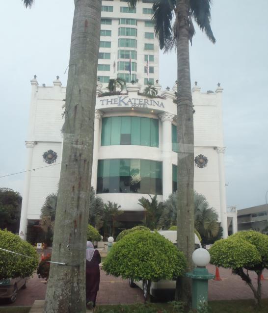 Hotel Karenina tempat Muicet berlangsung.