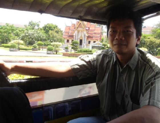 Naik tuktuk di Songkla